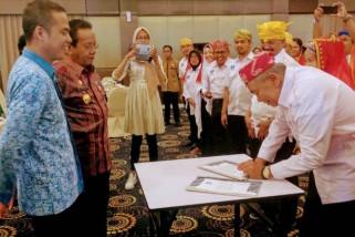 Gubernur minta Asita Sulteng tingkatkan promosi wisata daerah