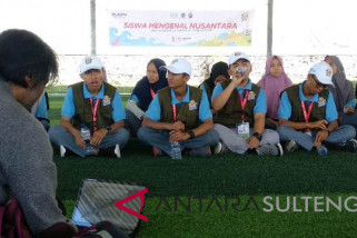 Peserta SMN bedah buku 'Cerita Nusantara Kami' di Lanal Palu