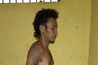 Orang tua tak beri uang, Kaharuddin bakar rumah tetangga