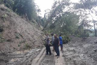 Jalur Palu-Kulawi kembali putus karena longsor dan banjir