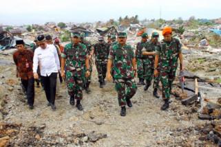 TNI dan Kementerian ESDM bersihkan daerah terdampak likuifaksi (vidio)