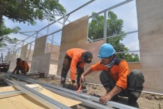 Mandiri, BNI to build houses for 400 quake-hit families: government