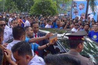 Presiden tinjau fasilitas umum kompleks GBK Jakarta