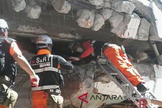 Tim SAR Korea bantu cari korban gempa