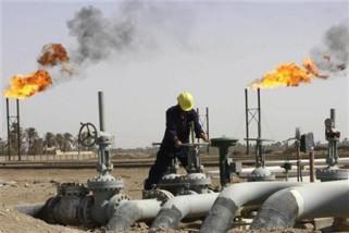 Minyak naik jelang sanksi Iran tetapi turun secara mingguan