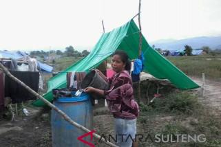 Korban gempa Sigi masih bertahan di tenda