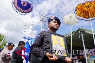 Pemakaman anggota Brimob yang meninggal dalam tugas di Palu