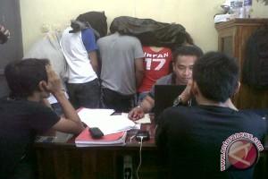 Polisi Tangkap Tujuh Remaja Saat Pesta Sabu