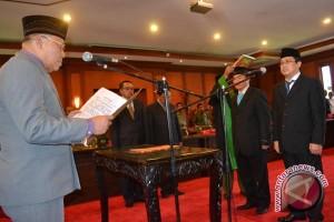 Wagub Sultra Lantik Dua Pejabat Eselon Dua