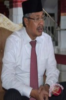 Gubernur Sultra Restui Istri Menjadi Caleg DPR
