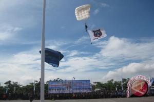 47 Penerjun Ramaikan HUT  Sultra Ke-49 2013