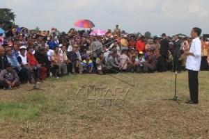 Presiden Bahas Banjir Indramayu Di Rumah Petani Oleh Joko