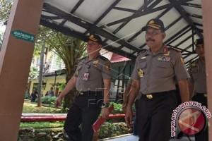 Kapolri Sambangi RS Polri Cek Kondisi Jenazah Pelaku Teror