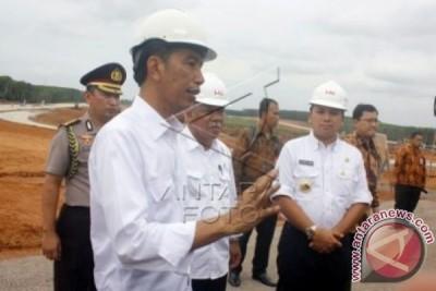 Presiden Jokowi Pantau Progres Jalan Tol Sumatera