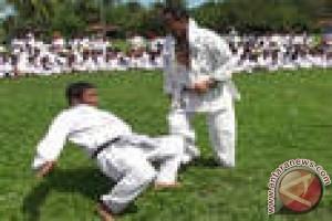Bupati Muna Barat Ajar Pengalaman Bertanding Karate