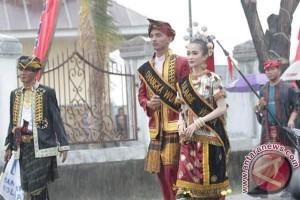Ragam Budaya Muna Meriahkan HUT Sultra