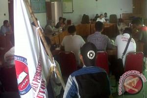 Demo Hari Buruh Di Baubau Tuntut Penerapan UMP