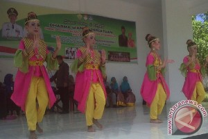 Dharma Wanita Dinas Dikmudora Baubau Gelar Bazar