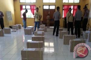157 Kotak Naskah UN  Didistribusikan Di Muna