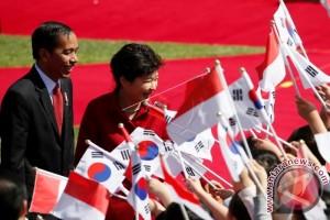 Presiden Jokowi Temui Presiden Park Di Blue House