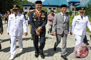 Gubernur Sultra Lantik Bupati/Wabup Wakatobi