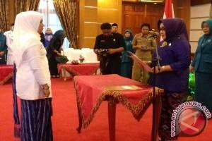 Tina Nur Alam Lantik Ketua PKK Wakatobi