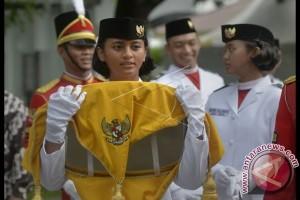 Presiden Kukuhkan Pasukan Pengibar Bendera Pusaka