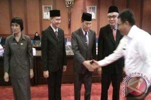 Wagub Sultra Lantik Empat Pejabat Eselon Dua