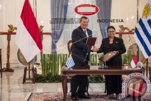 Menlu Indonesia-Uruguay Lakukan Pertemuan Bilateral
