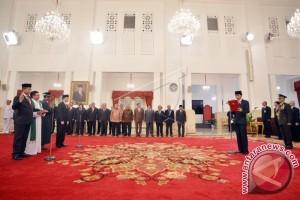 Presiden Lantik Jonan-Arcandra Untuk Kementerian ESDM