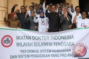 Ratusan Dokter Di Kendari Aksi Tolak DLP