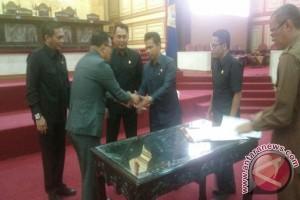 DPRD Sultra Tetapkan Enam Raperda Jadi Perda