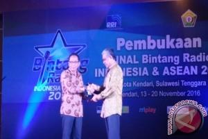 PEMBUKAAN BINTANG RADIO INDONESIA 2016