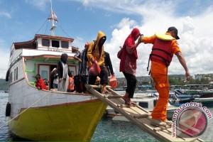 Basarnas Kendari Evakuasi KM Maiyawi