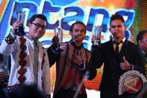 BINTANG RADIO INDONESIA DAN ASEAN