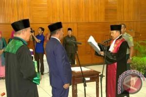 Syamsuddin Rahim Dilantik Jadi Ketua Dprd Kendari