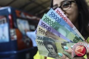 Gubernur Bi Perkenalkan Uang Baru Di Wakatobi