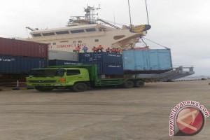 Kapal Asing Mulai Bongkar Muatan di Bungkutoko