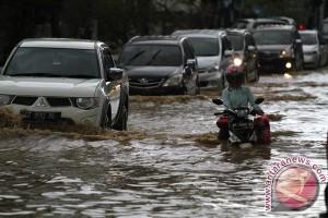 Banjir rendam trans Sulawesi di Konawe Utara