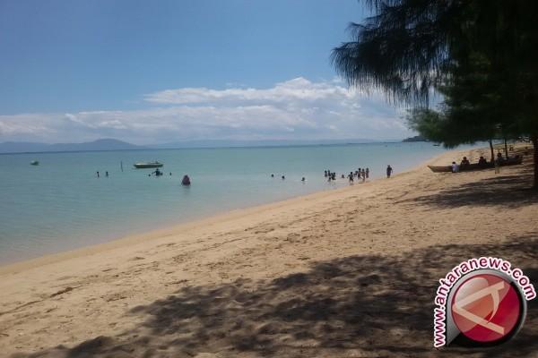 DPRD: Pemkab Diminta Kembangkan Wisata Pantai Katembe