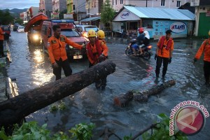 Belasan Kelurahan Di Kendari Terkena Banjir