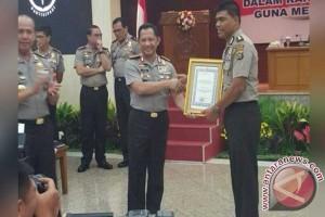 Kapolri Beri Penghargaan Bidang Humas Polda Sultra