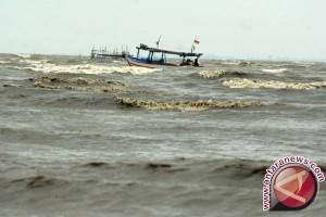 Nelayan Sultra diminta waspadai gelombang tinggi