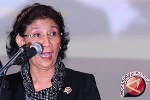 Menteri Susi Blusukan Di Wakatobi