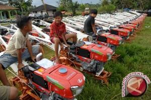 Konawe Utara Mendapat Bantuan 10 Traktor Tangan