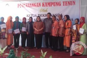Legislator Minta Muna Benahi Infrastruktur Kampung Tenun