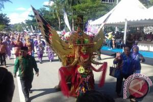 Gubernur: Karnaval Tenun Wujud Pelestarian Budaya Daerah