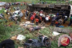 Kecelakaan Ciloto Tewaskan 11 Orang