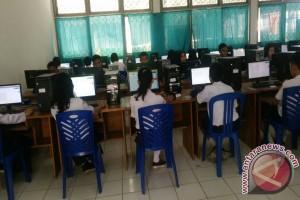 Komputer Terbatas, Ujian SMP Dibagi Tiga Tahap