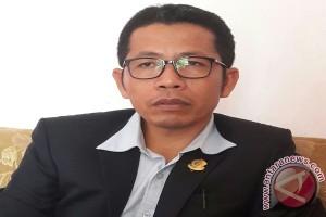 DPRD Imbau Pemkab Wakatobi Hentikan Reklamasi Pantai